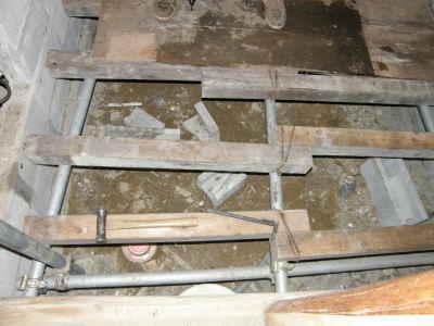 仮床の解体