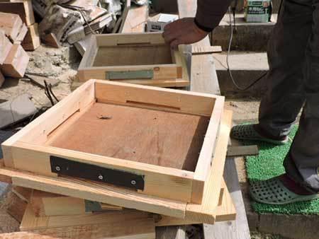 日本ミツバチの巣箱作り