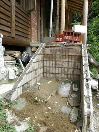 階段側面ブロック工事