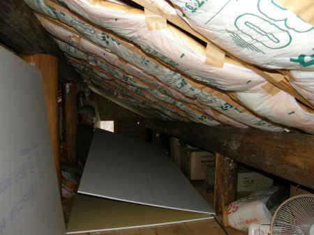 小屋裏天井貼り(1)